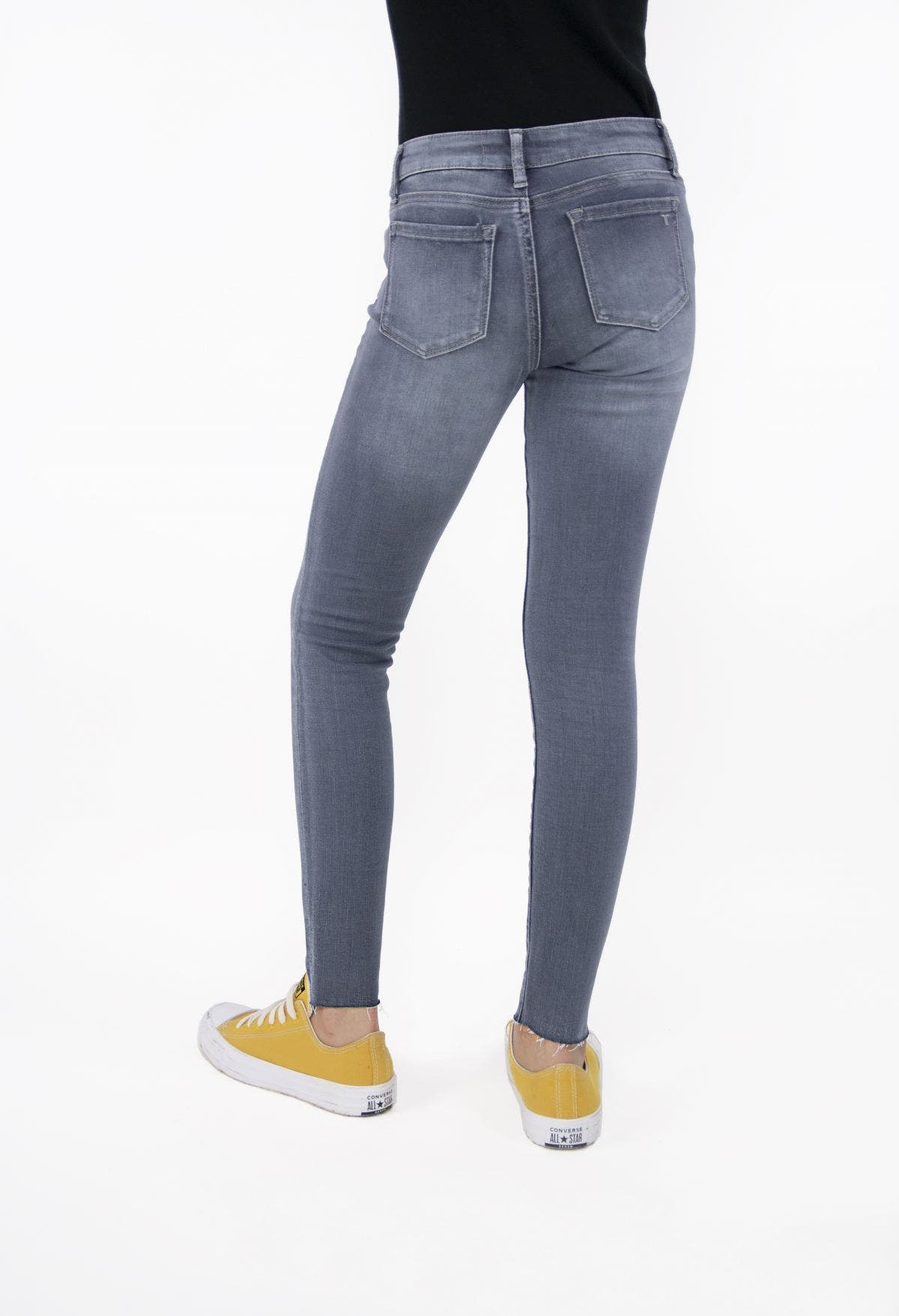 Diane - Basic Mid-Rise Ankle Crop With Raw Hem